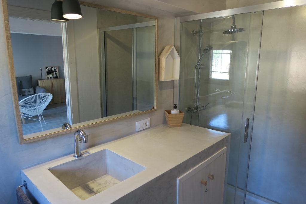mirando_a_cuenca_apartamento_turistico_cuenca_casco_antiguo_baño