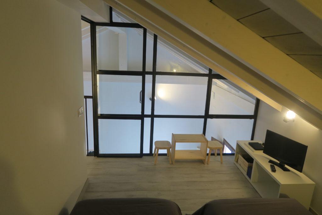 mirando_a_cuenca_apartamento_turistico_cuenca_casco_antiguo_habitacion_2