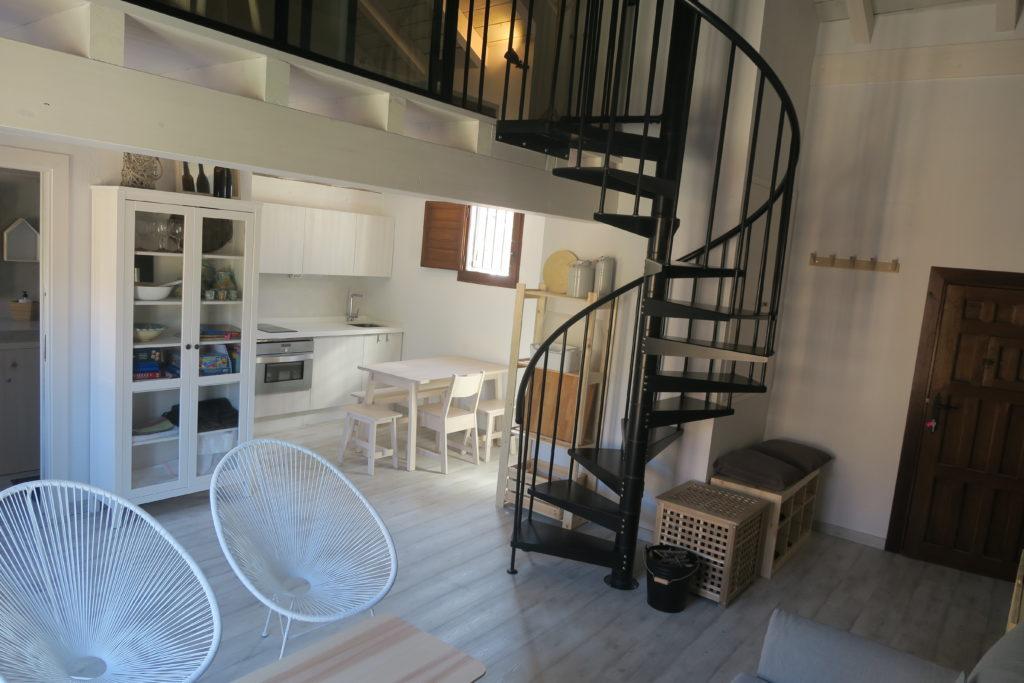 Salon_casa_apartamento_turistico_mirando_a_cuenca