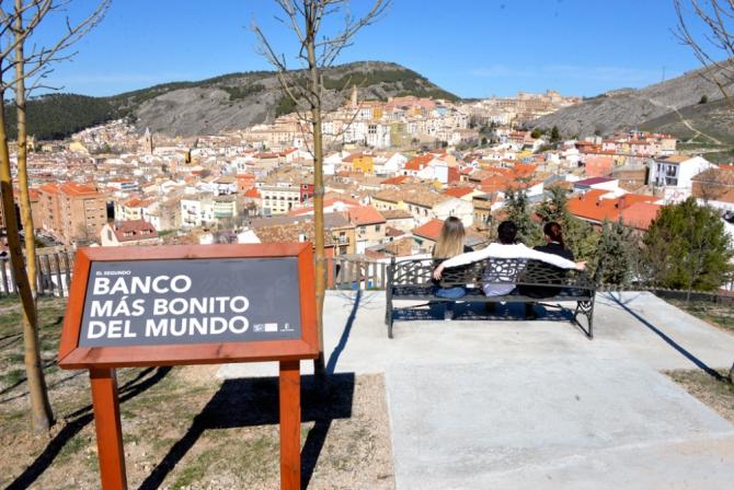 el-segundo-banco-mas-bonito-del-mundo-esta-cuenca_mirandoacuenca.es