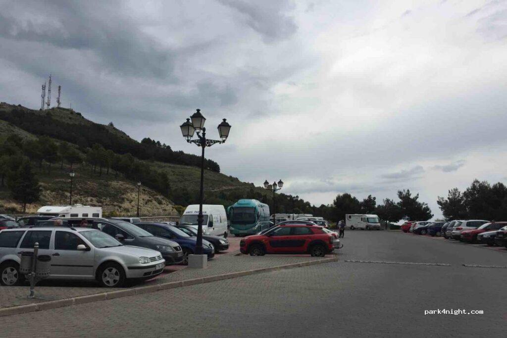 parking_gratuito_barrio_del_castillo_cuenca_casco_antiguo_mirando_a_cuenca